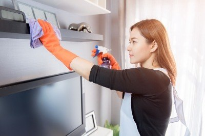 forming relationship with cleaning maids